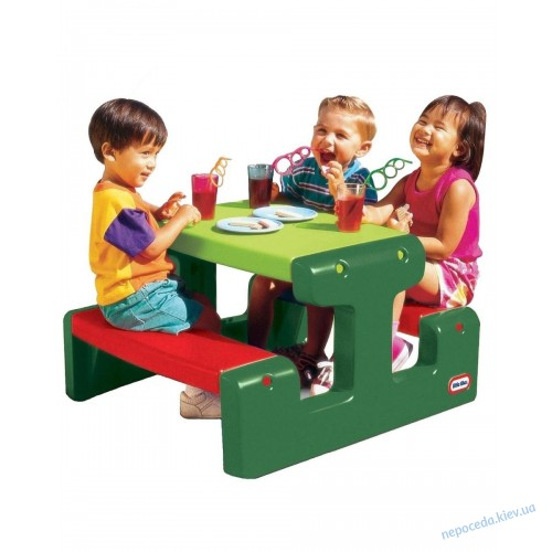 Игровой столик с лавками