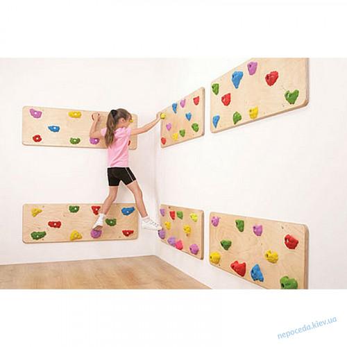 Траверсная стена «Шаги» в виде скалодрома для помещения