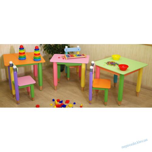 Детский столик без пенала 60см на 60см Карандаши