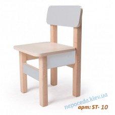Детский стульчик с голубой спинкой