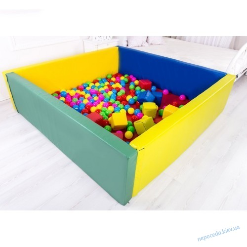Сухой бассейн с горкой 150х150х40 см