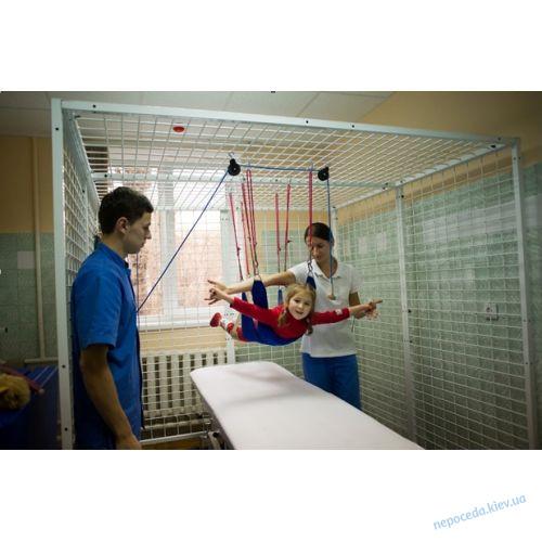 Кабина для кинезотерапии с подвесной системой