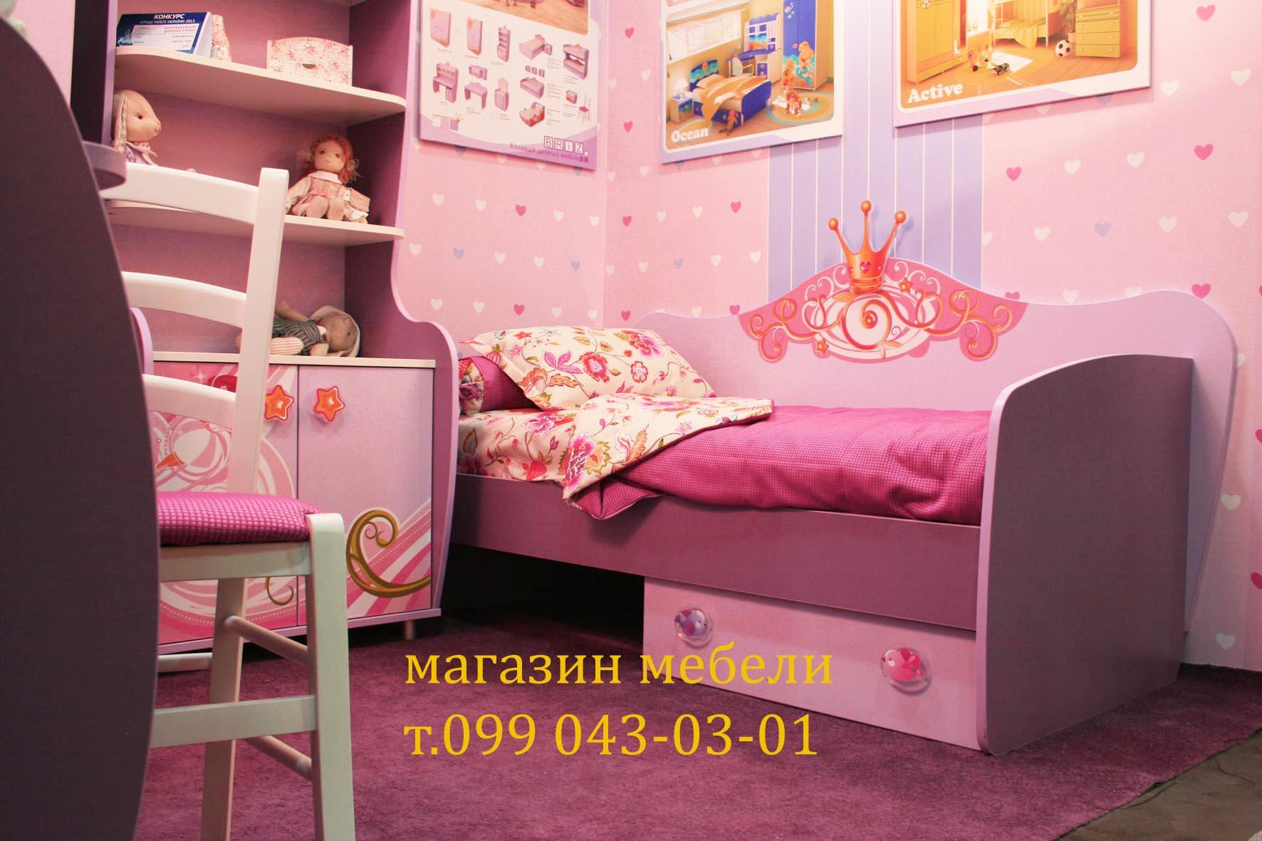 Кровать для девочки. Корпусная мебель в комнату девочки. фото