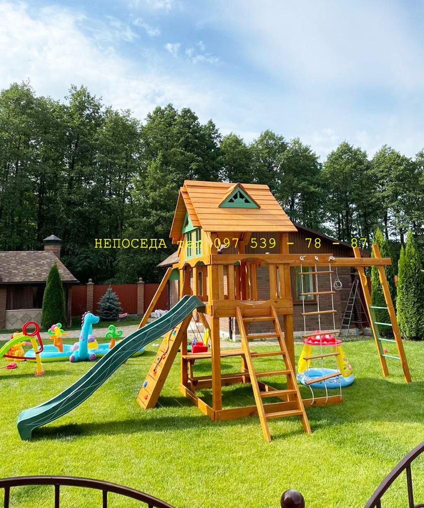 Заказать детскую игровую площадку. Деревянный спортивный комплекс на улицу в загородный дом