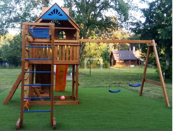 Детские деревянные игровые комплексы для дачи