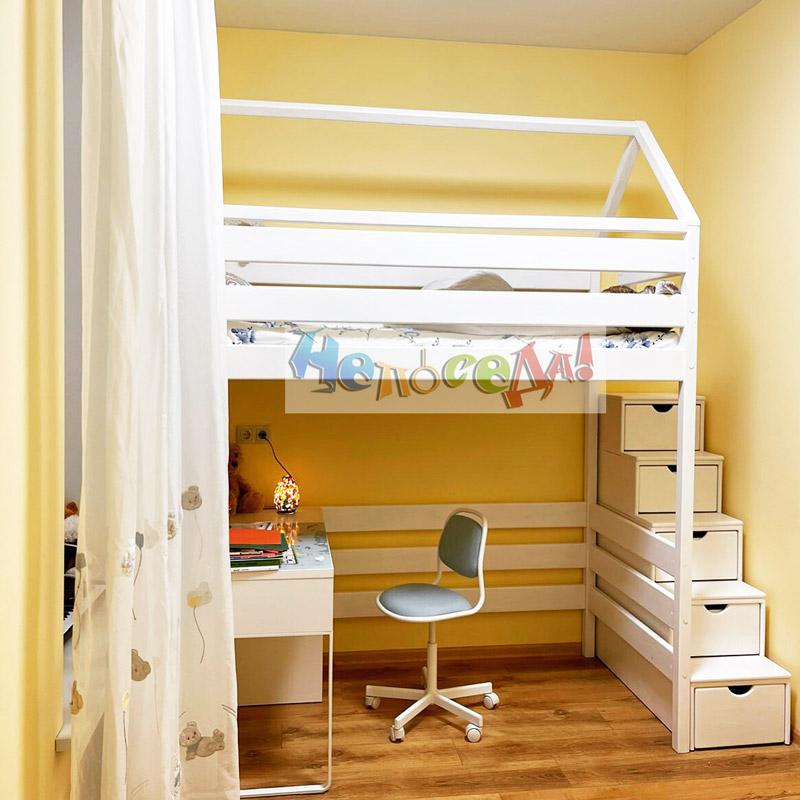 Кровать домиком. Кровать чердак белая из натурального дерева заказать в Украине